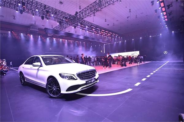 Đến Mercedes-Benz Fascination 2019 xem dàn xe sang vừa đổ bộ Hà Nội