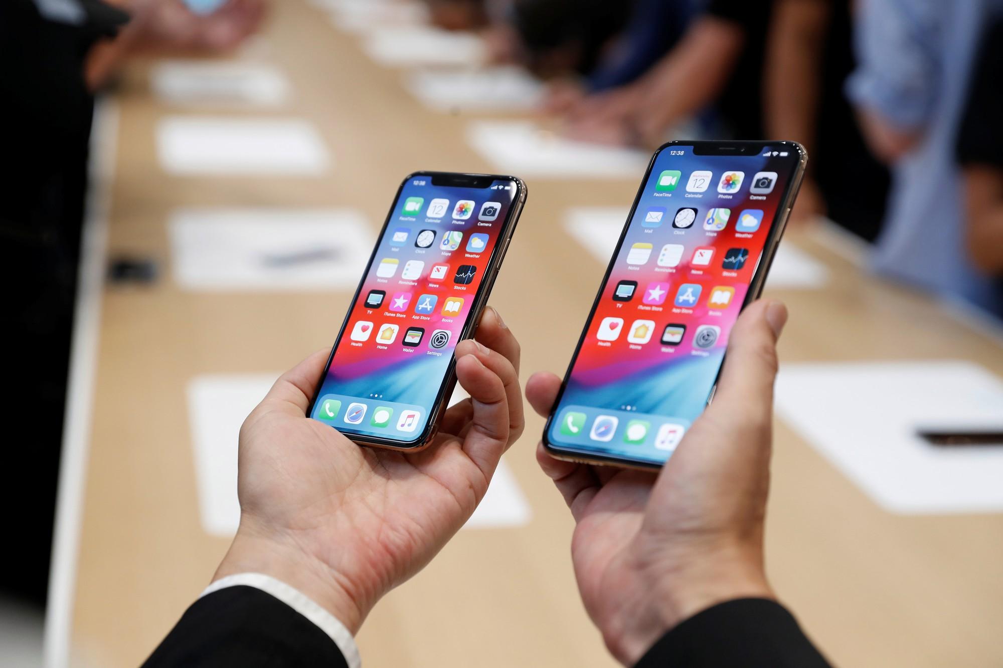 iPhone XI Max sẽ có màn siêu to khổng lồ: Gần bằng máy tính bảng, chị em khó mà cầm một tay - Ảnh 1.