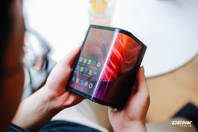 Trên tay Royole FlexPai: Smartphone màn hình gập đầu tiên trên thế giới - Ảnh 17.