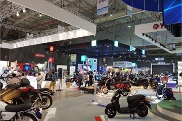 """Thị trường xe máy tiếp tục ảm đạm: Yamaha, Piaggio, Suzuki và SYM """"gặp khó"""" trước sự bành trướng của Honda"""