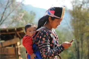 Phụ nữ dân tộc thiểu số tự mở rộng kinh doanh và thoát nghèo với công nghệ 4.0