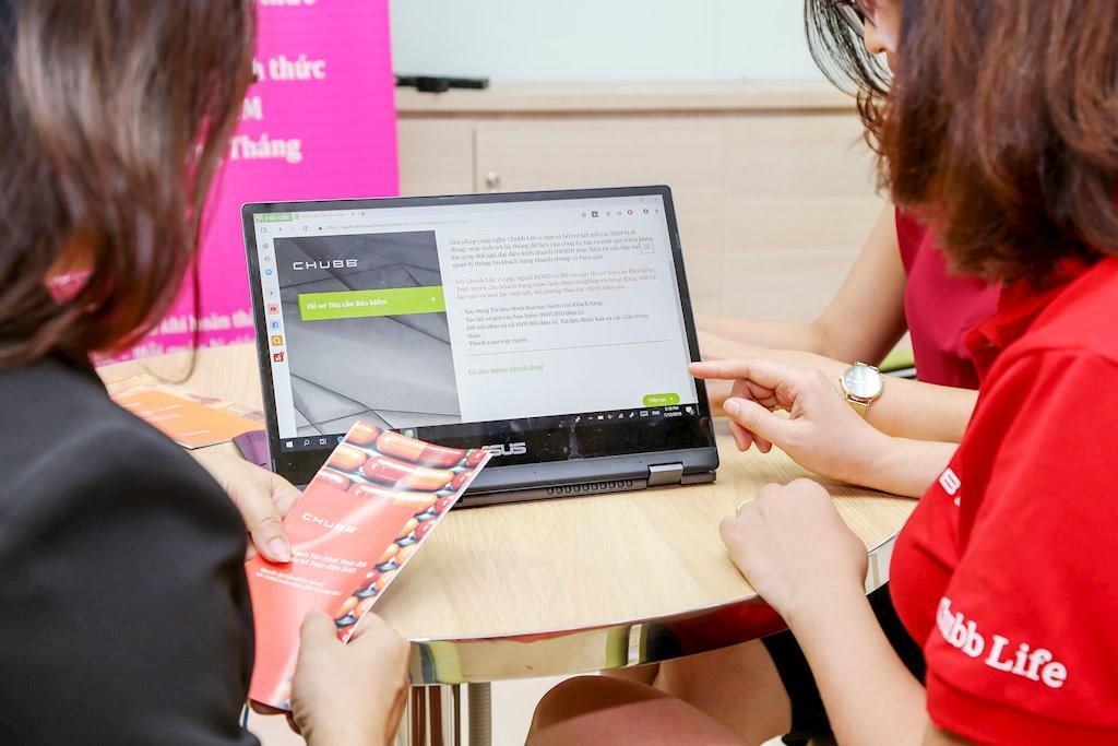 Chubb Life Việt Nam chính thức triển khai ứng dụng lập hồ sơ yêu cầu bảo hiểm điện tử | Chubb Life Việt Nam ra ứng dụng cho phép khách hàng lập hồ sơ yêu cầu bảo hiểm từ xa