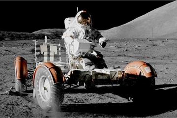 """Chiếc xe ô tô đầu tiên chạy trên Mặt Trăng có gì đặc biệt, khác với """"siêu xe"""" hiện nay?"""