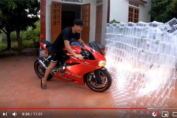 Dân mạng kêu gọi báo cáo kênh YouTube NTN vì làm thử thách với nhựa