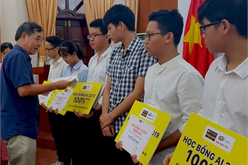 10 học sinh Bình Định nhận học bổng toàn phần lên Tiến sĩ ngành Trí tuệ nhân tạo tại ĐH FPT