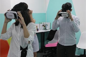 Ra mắt khóa học lập trình thực tế ảo đầu tiên tại Việt Nam dành cho học sinh trung học