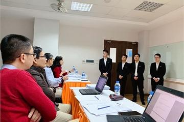 Sinh viên công nghệ FPT bảo vệ đồ án như thi Shark Tank