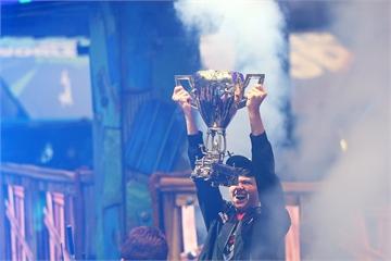 Vô địch Fornite World Cup, game thủ 16 tuổi trở thành tỷ phú chỉ sau một đêm