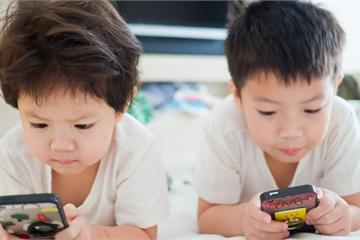 Loạt tuyệt chiêu cai nghiện điện thoại hay ho của các phụ huynh Tây, cha mẹ Việt rất nên tham khảo