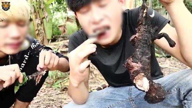 YouTuber VN hanh ha ran sach do gay xon xao hinh anh 3