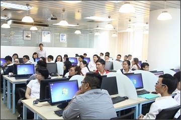 Biến động điểm chuẩn ngành Công nghệ Thông tin tại 3 trường hàng đầu