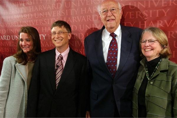 Đây là cách nuôi dạy thiên tài của cha mẹ Bill Gates