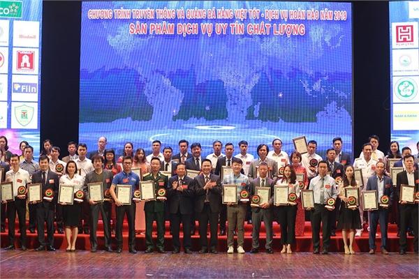Ứng dụng chuyển phát nhanh ViettelPost lọt top 10 sản phẩm dịch vụ hàng đầu Việt Nam