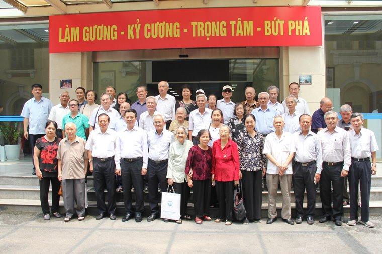 Việt Nam sẽ đi cùng với thế giới về 5G   Việt Nam sẽ triển khai 5G cùng với thế giới   Việt Nam có 3 nhà mạng trong 131 nhà mạng trên thế giới đang triển khai thử nghiệm 5G