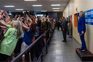 Người hay khoe ảnh selfie dễ thất bại trong cuộc sống