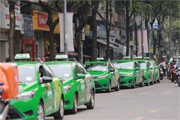 Hà Nội xây dựng phần mềm dùng chung cho các hãng taxi, quy định dùng một màu sơn từ năm 2026