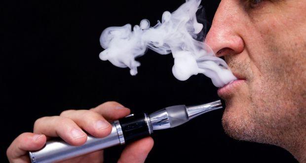 Chỉ một lần thử hút thuốc lá điện tử cũng làm biến đổi mạch máu và hệ thống tuần hoàn của bạn - Ảnh 1.