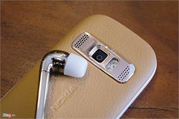 Chiếc Nokia đồ cổ ở VN đi trước Apple AirPods cả thập niên