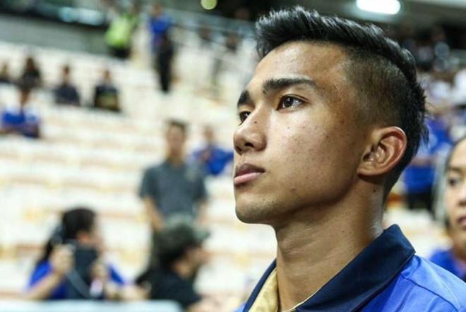 Fan Viet tran vao Facebook cau thu Thai Lan ca khia truoc tran hinh anh 1