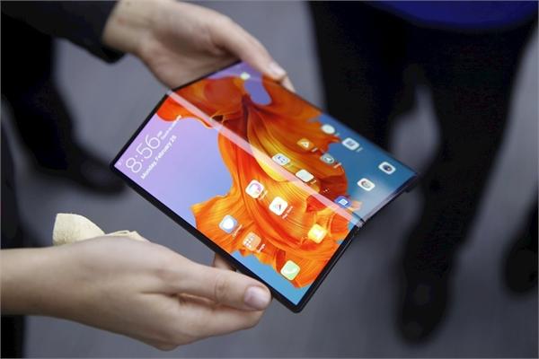 """Đối thủ lớn nhất của Samsung Galaxy Fold  trong năm nay đang """"rục rịch"""" lên kệ"""