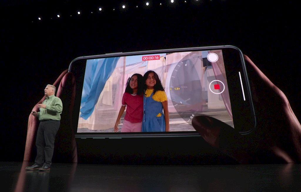 e2-huong-dan-quay-video-tren-iphone-11-iphone-11-pro-cach-su-dung-iphone-11-quay-video.jpg