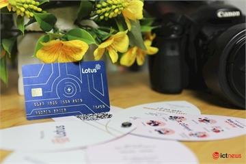 """Cận cảnh thiệp mời """"thiên biến vạn hoá"""" của mạng xã hội Lotus, có hình dạng như một chiếc thẻ ATM"""