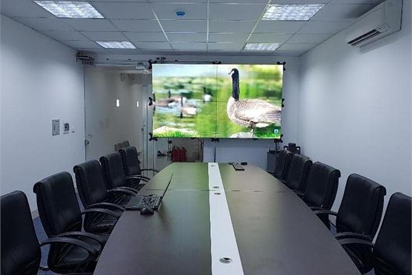 Cách mạng hóa trải nghiệm với màn hình ghép không viền Barco UniSee