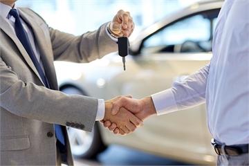 Các đại lý không đáp ứng kỳ vọng của khách hàng Việt khi mua ô tô