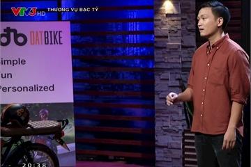 """Shark Tank tập 10: Bỏ Silicon Valley về Việt Nam khởi nghiệp xe máy điện, startup bị dàn shark """"vùi dập"""" không thương tiếc trước khi được shark Hưng đầu tư"""