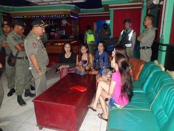 Chuyện Tinder ở Bali: Khi app hẹn hò trở thành chốn thiên đường mời gọi của gái làng chơi - Ảnh 6.
