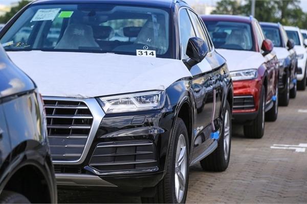 Xe nhập khẩu về Việt Nam tăng kỷ lục, giá xe có thể tiếp tục giảm sâu