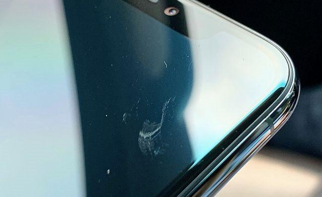 Người dùng kêu trời vì iPhone 11 trầy xước chỉ sau vài ngày sử dụng