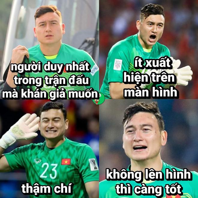 Anh che 'Van Lam muon ranh de uong ta tua' truoc tran gap Malaysia hinh anh 4