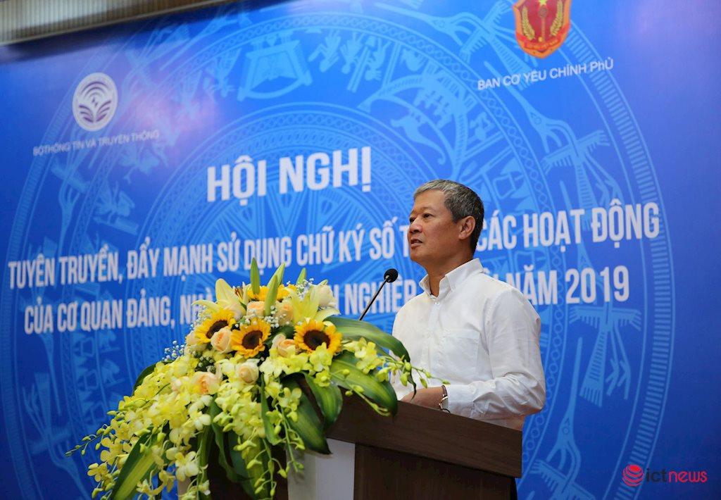 Giao dịch điện tử sẽ thúc đẩy phát triển kinh tế số tại Việt Nam thời gian tới | Bộ TT&TT sắp ra quy chuẩn kỹ thuật tạo điều kiện cho CA công cộng cung cấp chữ ký số trên di động