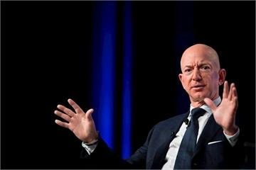 Ông chủ Amazon mất 7 tỷ USD sau một đêm, Bill Gates quay trở lại ngôi vị giàu nhất thế giới