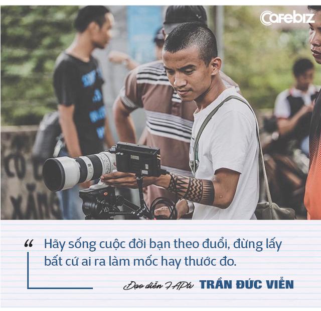 """Đạo diễn FAPtv kể chuyện từ 0,5 điểm toán thi đại học đến nút kim cương Youtube đầu tiên của Việt Nam: """"Đừng lấy bất cứ ai ra làm cột mốc hay thước đo cho đời bạn!"""" - Ảnh 6."""
