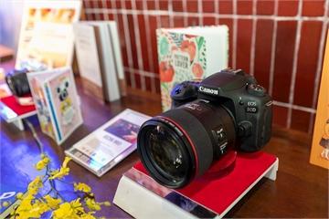 Canon EOS M6 Mark II và Canon EOS 90D chính thức ra mắt thị trường Việt Nam