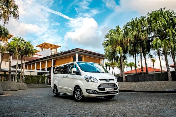 Khách hàng tiềm năng nói gì về Ford Tourneo?
