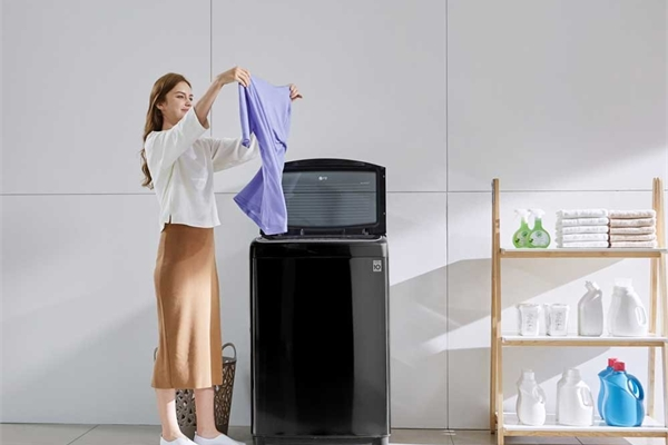 LG ra mắt dòng máy giặt lồng đứng hơi nước tại thị trường Việt Nam, điều khiển từ xa qua Wifi