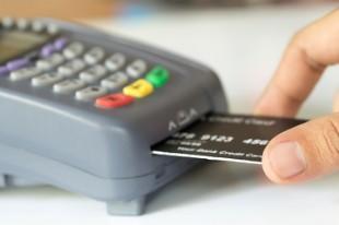 Tại sao các giao dịch thẻ tín dụng phải mất một thời gian dài mới xuất hiện trong sao kê?