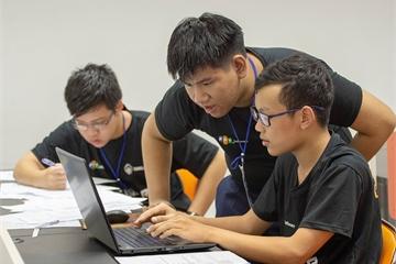 """Lần đầu tiên cộng đồng công nghệ miền Trung tranh tài tại """"Da Nang Code War 2019"""""""