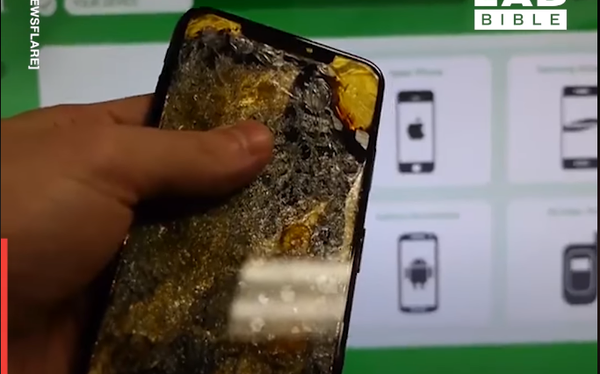 """Thử bán iPhone vàng nguyên chất cho máy ATM tự động: Cái kết """"giận tím người"""" vì giá bèo hơn cả đồ bỏ đi!"""