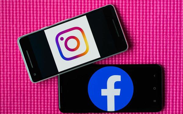 """Facebook đang ngày càng """"nhái"""" Instagram nhiều hơn: Cũng có feed ảnh dọc lạ lùng kéo hoài không hết"""