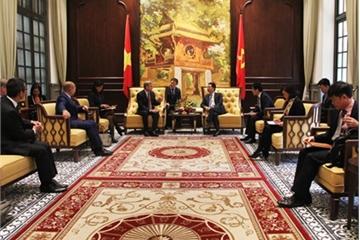 Bộ TT&TT đề nghị Qualcomm tăng cường hỗ trợ doanh nghiệp công nghệ Việt Nam