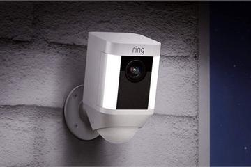 Hacker tấn công camera an ninh, tự xưng ông già Noel, khuyến khích bé gái 8 tuổi đập phá phòng
