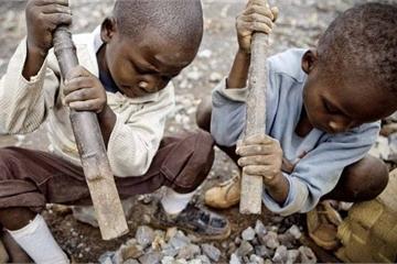 Apple, Microsoft, Tesla, Alphabet… đồng loạt bị khởi kiện vì lạm dụng lao động trẻ em trong các mỏ khai thác coban