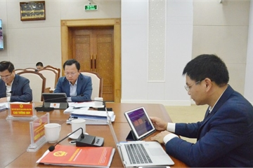 Quảng Ninh: Lần đầu tiên tổ chức phiên họp không giấy tờ