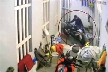 Chủ môtô BMW ở TP.HCM tìm được xe nhờ tin nhắn của thuê bao lạ