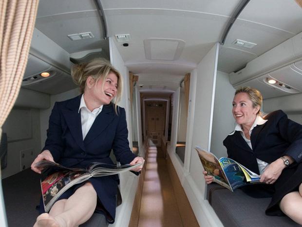 Những bức ảnh về các khu vực bí mật trên máy bay mà du khách không được phép bén mảng tới bao giờ - Ảnh 10.