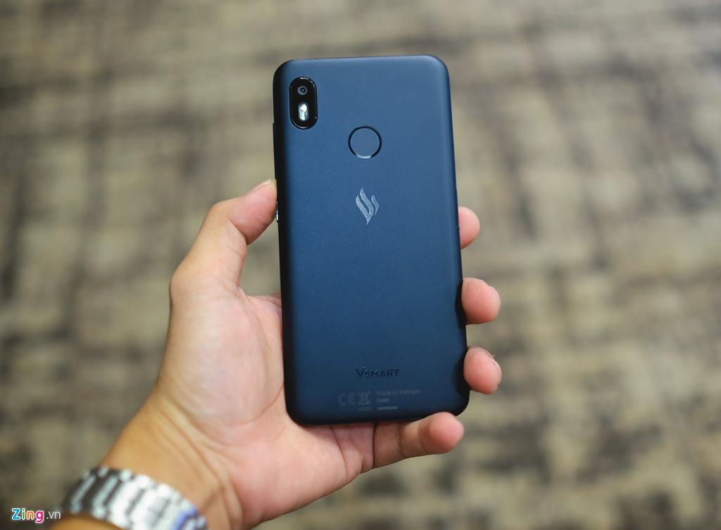 Thi truong smartphone Viet cuoi nam - Samsung, Huawei truot dai hinh anh 3 Vinsmart_zing28.jpg